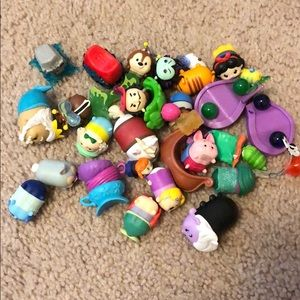 Lot of TsumTsum and accessories